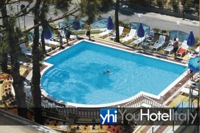 Hotel in vendita a cesenatico frazione villamarina hotel - Piscina san carlo milano ...